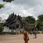 Finding fantastic Thai temples by accident (Wat Bupparam and Chedi Luang)