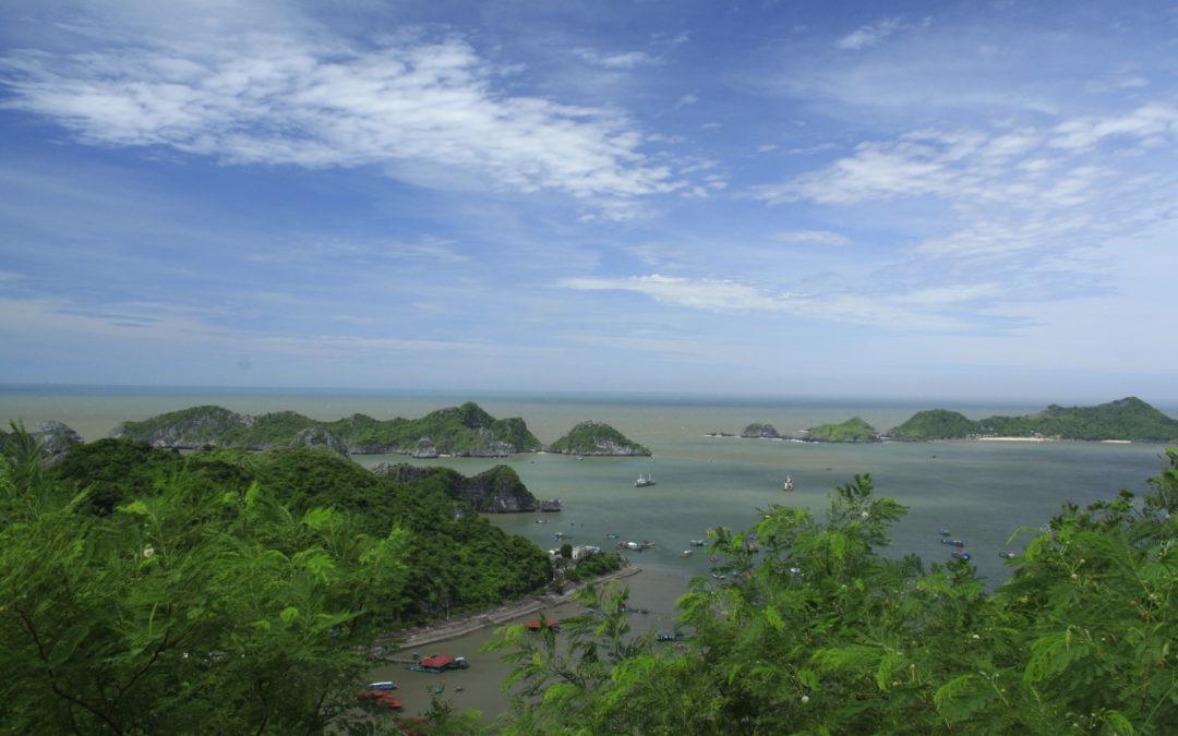 Relaxing on Cat Ba Island (Vietnam)